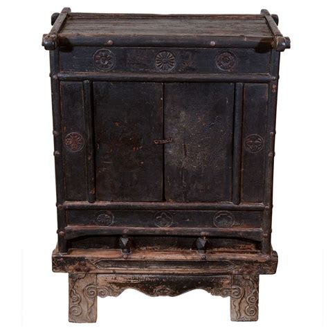 18th c chinese kitchen cabinet 18th century chinese kang table cabinet at 1stdibs