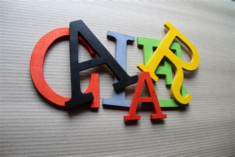 murales lettere lettres murales industries 12cm pr 233 noms en bois plaque