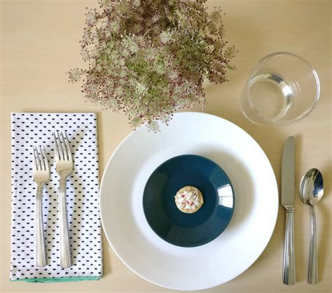 setting the table for a refreshing summer table setting 2 ways
