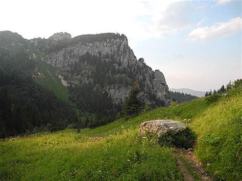 Selbstversorgerhütte Alpen by Landschaft Und H 246 Hlen Zwischen Loisach Und Isar
