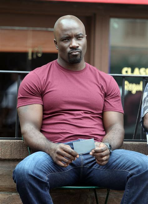 cbtvb luke cage waits patiently for fanboysinc