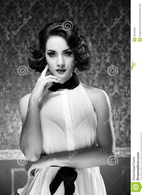 imagenes retro en blanco y negro mujer sensual blanco y negro en sitio del vintage foto de