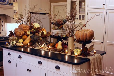 kitchen table decor 37 cool fall kitchen d 233 cor ideas digsdigs