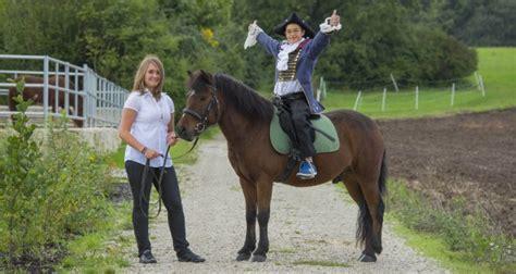 sponsoren finden reiten sponsoring unternehmen n 220 rnberger versicherung