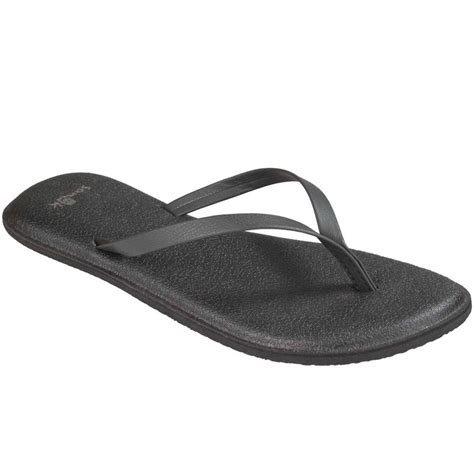 the most comfortable flip flops 17 best ideas about comfortable flip flops on pinterest