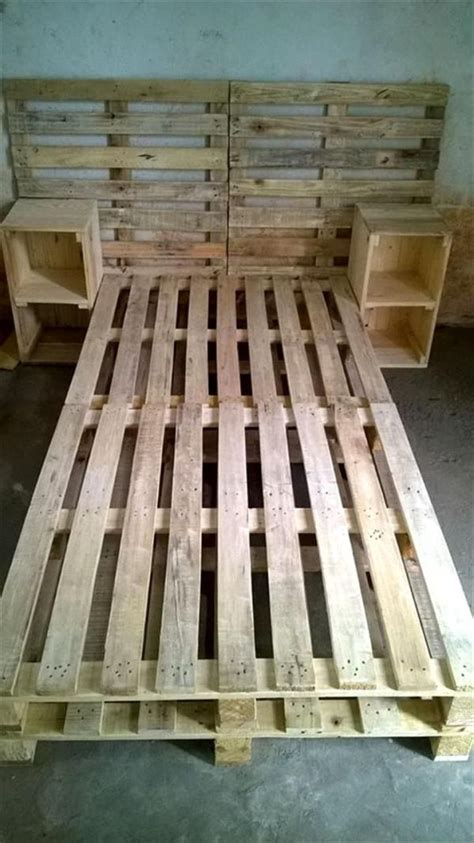 Pallet Futon Frame by Best 25 Pallet Bed Frames Ideas Only On Diy