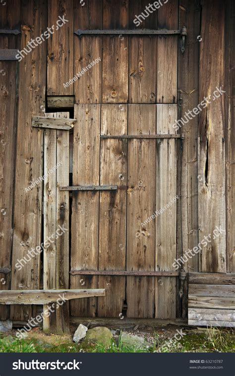 wooden door   barn stock photo  shutterstock