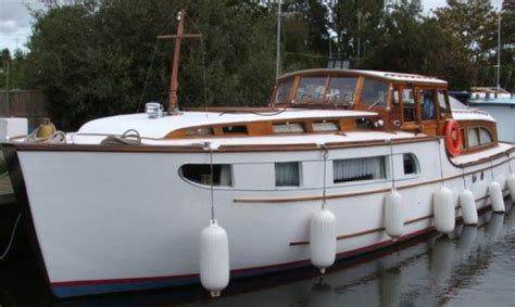 cabin river boats for sale approximate length cabin configurations will vary