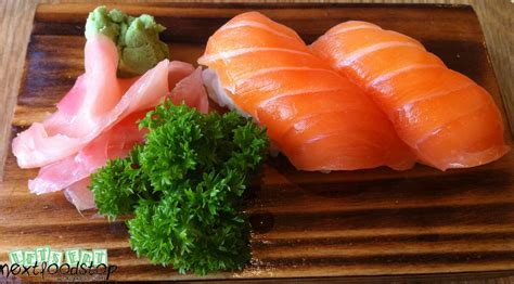 Salmon Sushi restaurant hoshigaoka next food stop