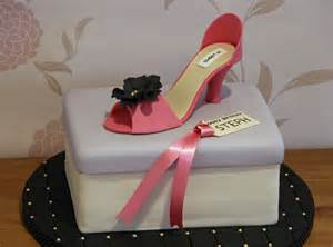 high heel kuchen lauralovescakes high heel shoe box cake