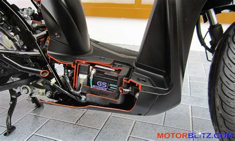 Beat Fi Covertutup Bawah Original posisi accu honda vario 150 dan vario 125 esp di bawah deck terjang banjir bisa mogok motorblitz
