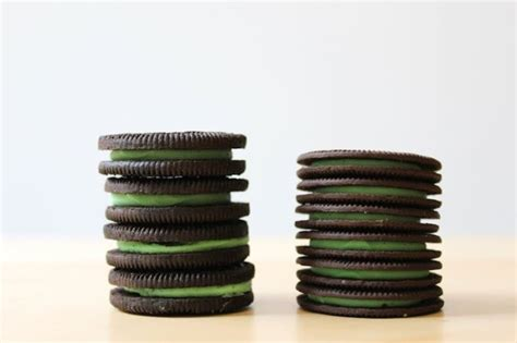 Oreo Thins Crispy Cookies what we thought of the new oreo thins
