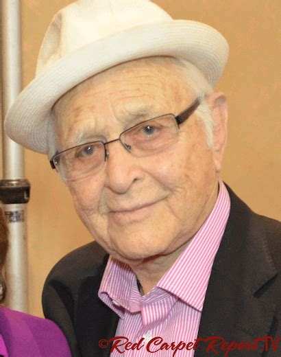 norman lear award and the 2014 norman lear award goes to pga red carpet