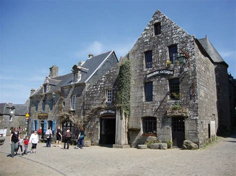 locronan finistere les  beaux villages de france
