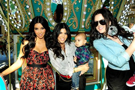 1st season of keeping up with the kardashians
