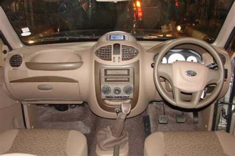 mahindra xylo e4 price in india mahindra xylo e4 abs bs iii price india specs and reviews