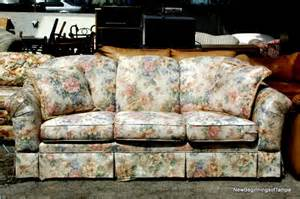 Couch floral print flower sofa photo picture image on use com
