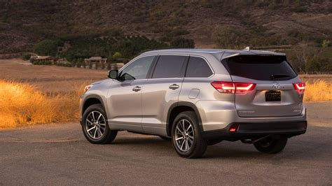 Toyota Of Highland 2017 Toyota Highlander Pictures Cars Models 2016