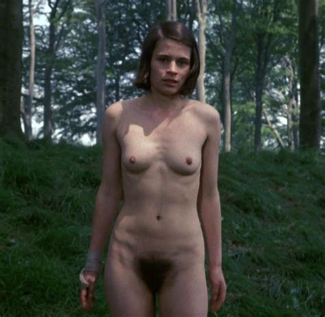 Linda Hamilton Nude Tits Hairy Pussy Scandal Planet