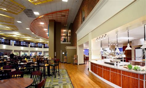 dining hall spoiled for dining options on cus but student union