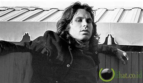 Kaos Keren The Doors Jim Morrison 1 8 musisi terkenal dunia yang tewas akibat alkohol kisah
