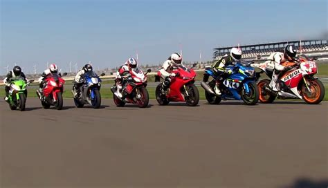 Motorrad Navigation Vergleichstest by Testbericht Vergleichstest Superbikes 2015 1000ps De