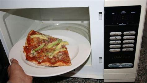 Microwave Ukuran Sedang 6 makanan yang lebih mudah dibuat dengan microwave