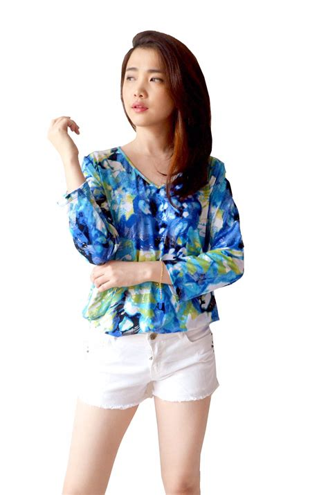 Esprit Floral Crewneck Blouse Branded Murah Original buy1get1 free ongkir part 5 deals for only rp74 000 instead of rp99 000
