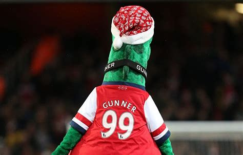 gifts for arsenal fans best christmas gift ideas for arsenal fans in 2017 metro