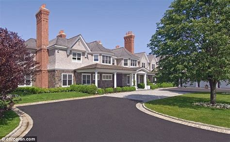 Beyonce House by Beyonce And Z Htons Mansion They Rented Last