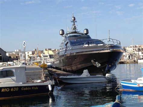 porto favignana la darsena di gigi posti barca porto di favignana