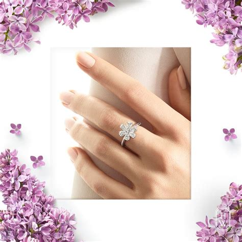 Kalung Fashion Single Flower a single forget me not flower blooms with simple elegance in this delicate fashion ring