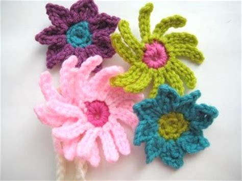 free crochet pattern flowers headbands crochet dreamz baby headband with flowers free crochet