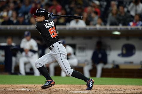 Suzuki Mlb Miami Marlins Ichiro Suzuki Surpasses Pete S Hit Record