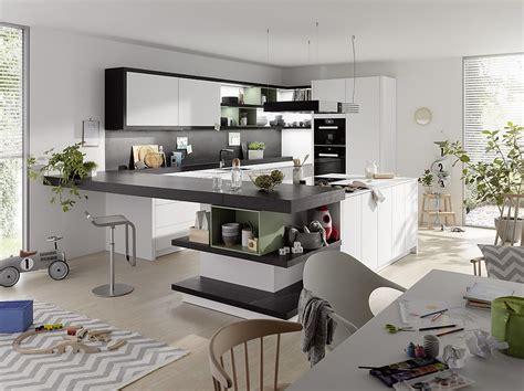 U Küche Mit Elektrogeräten by Bett Mit Bettkasten