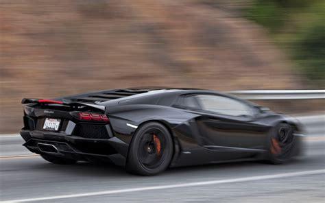 Lamborghini Aventador Black Wallpaper