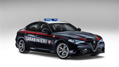 Alfa Romeo Giulia Joins Italian Police Force to Transport