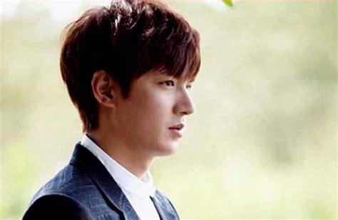 rambut pendek pria korea  background style rambut