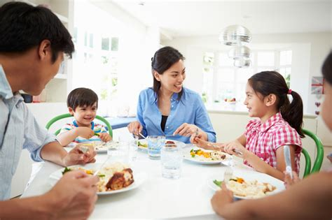 7 reasons to eat family 7 reasons to eat meals at the table with your family