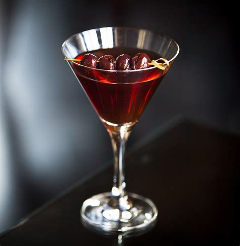 manhattan drink spiced manhattan cocktail recipe dishmaps
