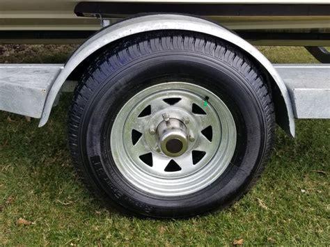 aluminum vs galvanized boat trailer wheels compare steel spoke trailer vs taskmaster steel etrailer