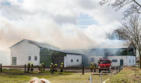 scheune flensburg oeversee scheune brennt gro 223 einsatz f 252 r die feuerwehr