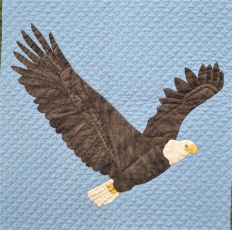 eagle applique bald eagle applique and wall hanging craftsy quilt
