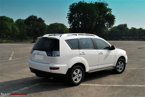 white mitsubishi outlander my 2010 mitsubishi outlander vogue white aggressive
