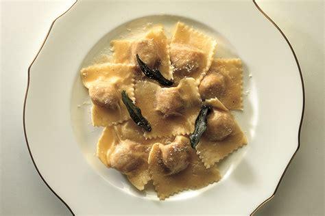 tortelli alla zucca mantovani ricetta tortelli di zucca la cucina italiana