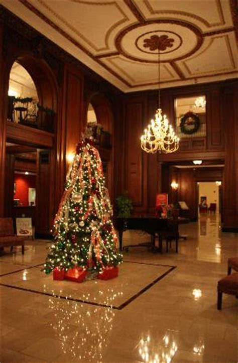 christmas decorating services chattanooga tn lobby with decor picture of the read house historic inn and suites chattanooga