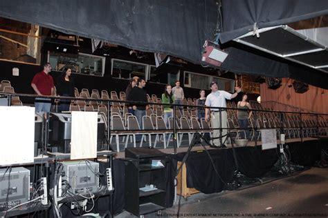 sitcom sets how do they shoot live audience tv sitcoms straight