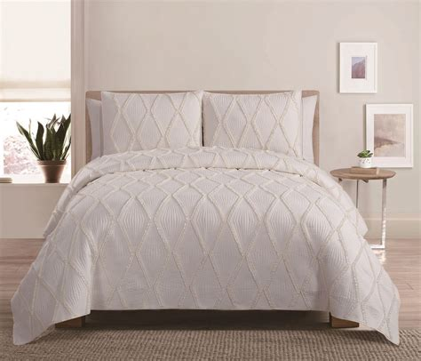Ruffle Quilt Set by 3 Ruffle Ivory Quilt Set