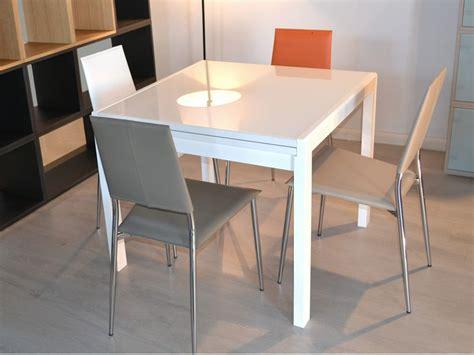 tavolo allungabile 90x90 kendy tavolo moderno in legno piano in vetro 90x90 cm