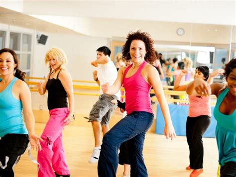 imagenes de fitness dance should men do zumba livestrong com